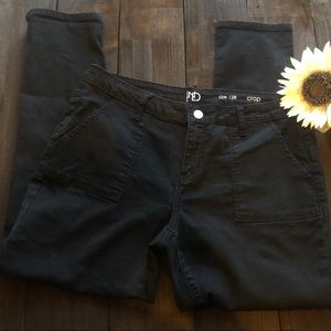 New Directions Crop Pants Size 12 Black